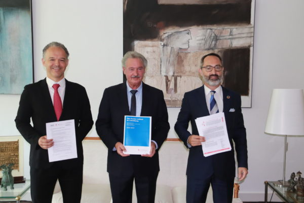 Michel Reckinger, Président de l'UEL, Jean Asselborn, ministre des Affaires étrangères et européennes, et Norman Fisch, Secrétaire général de l'INDR